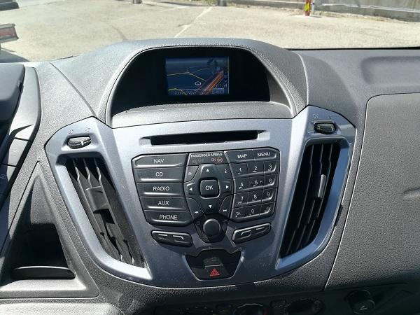 Ford Custom 9 plazas compacta