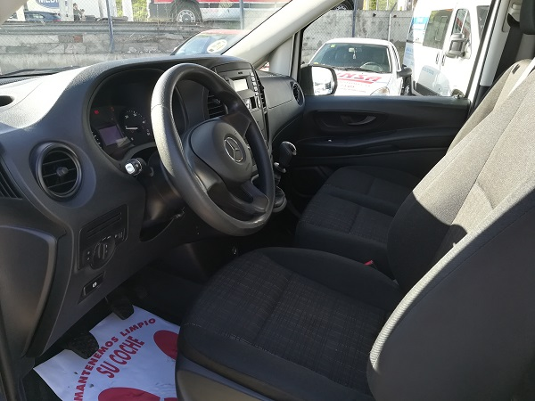Mercedes Vito 111cdi larga farmacia