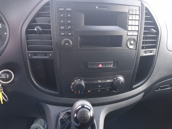 Mercedes Vito 111cdi tourer larga 9 plazas