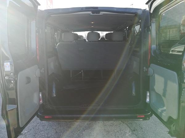Nissan Primastar combi 9