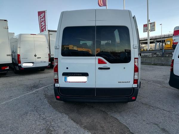 Renault Master L2H2 9 plazas