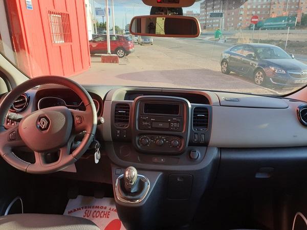 Renault Trafic Passenger Larga